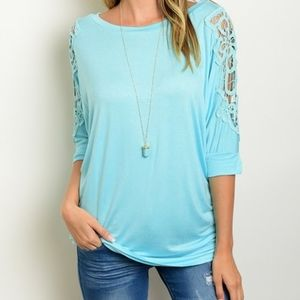 NWT TURQUOISE TOP WITH CROCHET ON SLEEVE